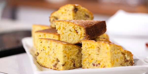 Sweet Cornbread with Bacon and Cheddar