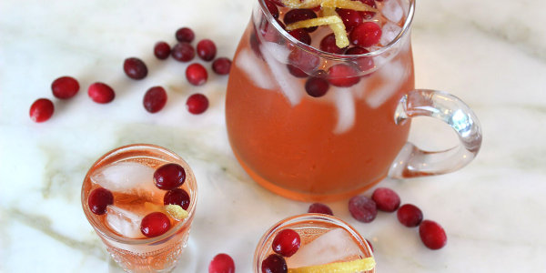 Sparkling Cranberry-Ginger Cocktail