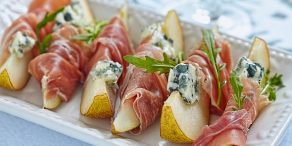 Pears Wrapped with Prosciutto and Blue Cheese