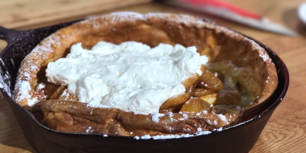Easy Dutch Baby Pancake with Warm Apples