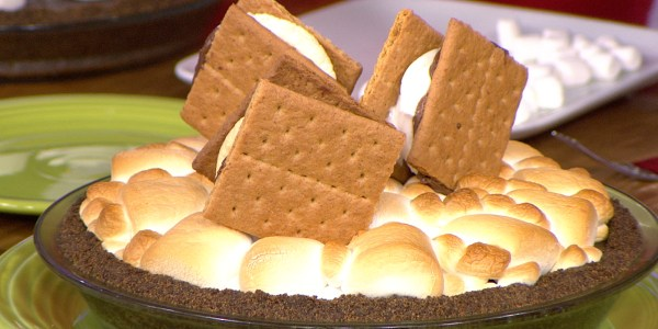 Peanut Butter Oreo S'mores Pie