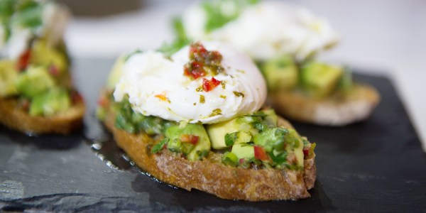 Poached Eggs with Avocado and Lime Mojo