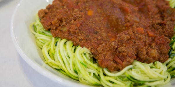 Z'paghetti Bolognese (Zucchini Noodles with Meat Sauce)