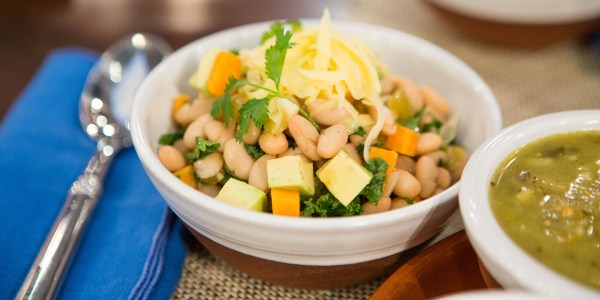 Slow Cooker White Bean and Kale Chili