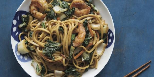 Stir-Fried Noodles with Shrimp and Vegetables