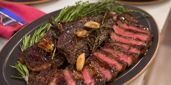 Pan-Seared Steaks with Red Wine Sauce