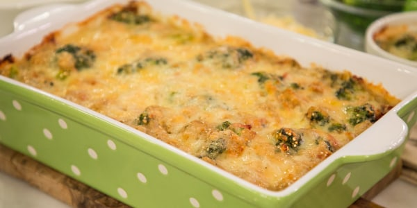 Creamy Chicken Quinoa and Broccoli Casserole