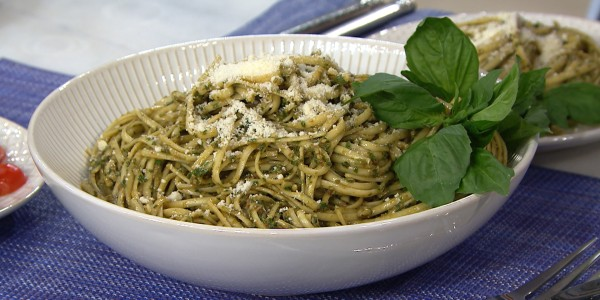 Pasta with Pesto Trepanese