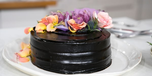 Vegan Matcha-Dark Chocolate Cake