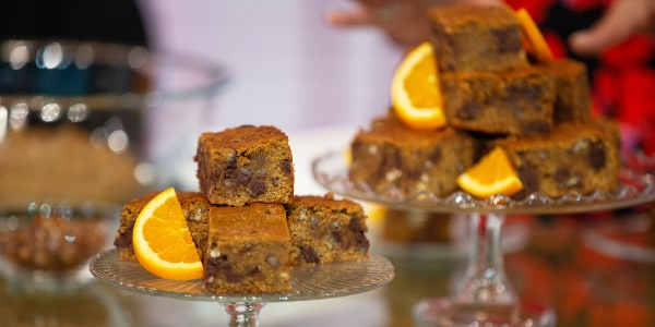 Joy Bauer's Orange-Chamomile Blondies