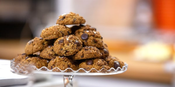 Vegan Gluten-Free Chocolate Chip Crunch Cookies