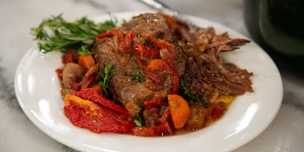 Pinot Noir-Braised Short Ribs with Sun-dried Tomatoes
