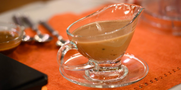 Make-Ahead Gravy with Port Wine