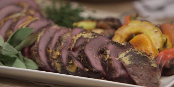 Healthy Roast Beef Tenderloin with Veggies