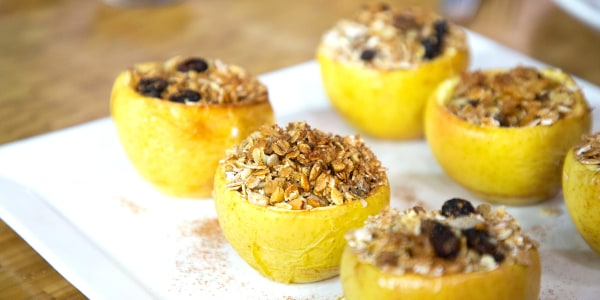 Muesli-Stuffed Baked Apples