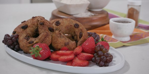 Joy Bauer's Skinny Cinnamon Raisin Bagels