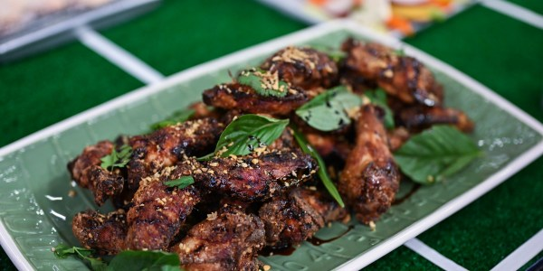 Caramelized Thai-Style Hot Wings