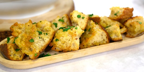 Spicy Garlic Bread Bites