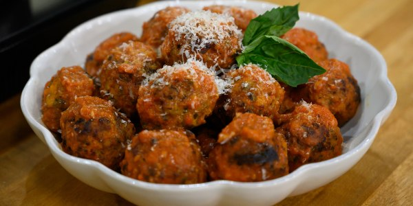 Easy Italian recipes for entertaining: Pasta bake and bomboloni