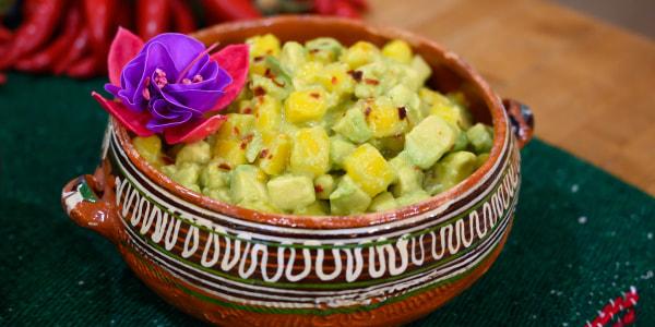 Chile-Mango Guacamole