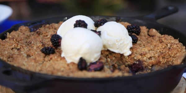 Cast-Iron Apple and Blackberry Crumble