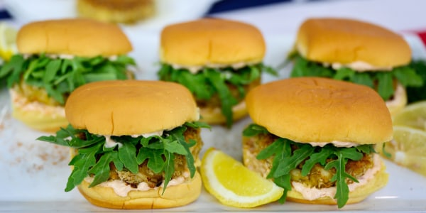 Crabcake Sandwiches with Chipotle Rémoulade