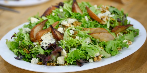 Autumn Salad with Grapes, Walnuts, Pears and Gorgonzola