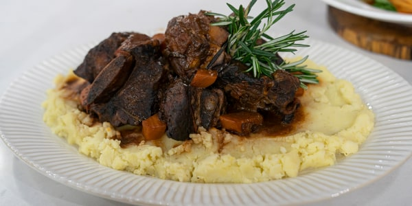 Lidia Bastianich's Short Ribs Braised in Barolo