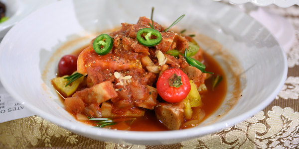 Slow-Cooked Jackfruit in Spicy Tomato Sauce