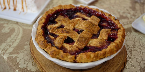 Dewberry-Apple Pie
