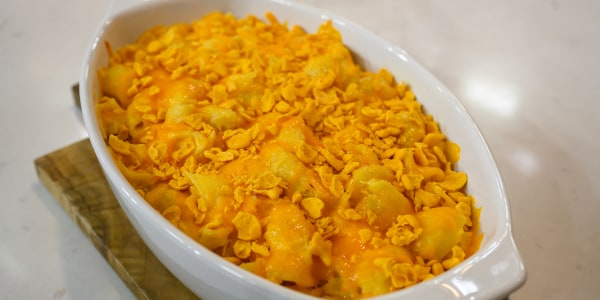 Mac and Cheese with Goldfish Crackers