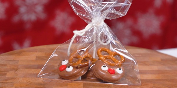 Chocolate Reindeer Crackers