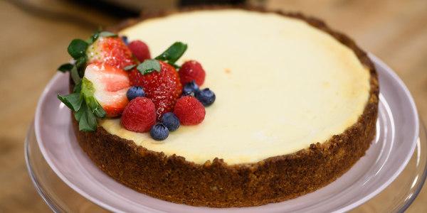 Valerie Bertinelli's Sugar-Free Cheesecake