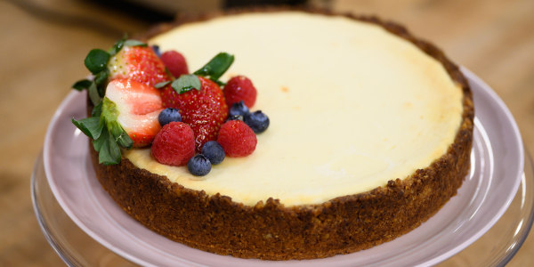 Valerie Bertinelli's Sugar-Free Cheesecake