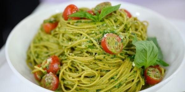 Joy Bauer's Kale Pesto Pasta