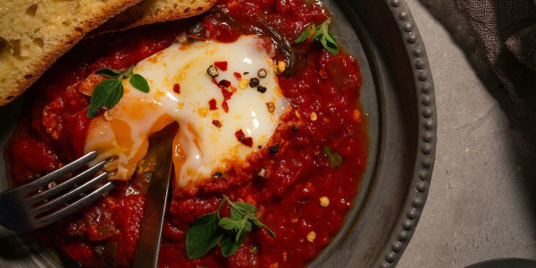 Eggs in Purgatory with Garlic Bread