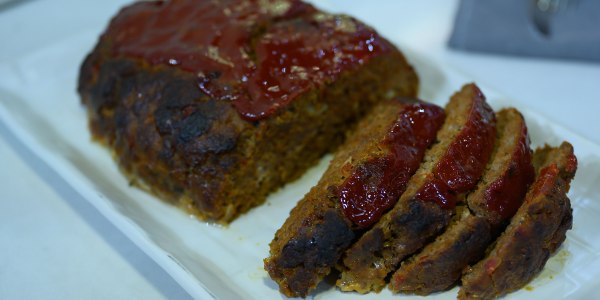 Katie Lee's Classic Meatloaf