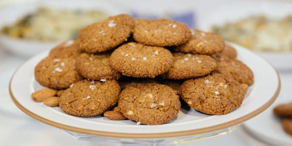 Valerie Bertinelli's Crispy Chewy Almond Butter Cookies