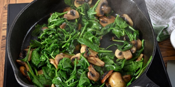 Valerie Bertinelli's Sautéed Spinach and Mushrooms