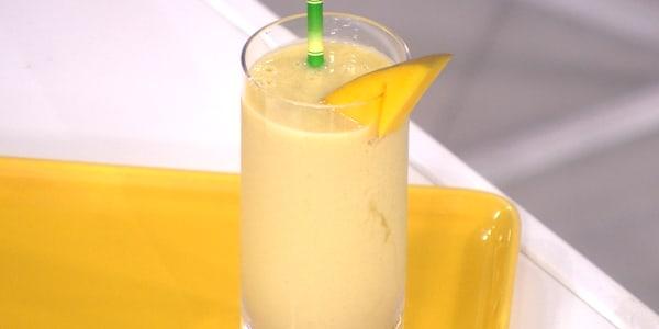 Mango Ginger-Cashew Smoothie
