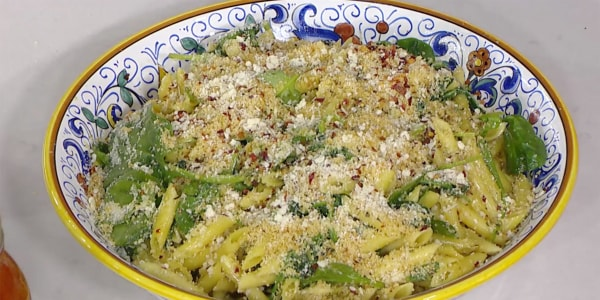 Penne with Spinach, Parmesan and Seasoned Breadcrumbs