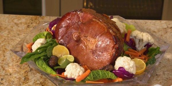 Sandra Lee's Pineapple-Glazed Easter Ham