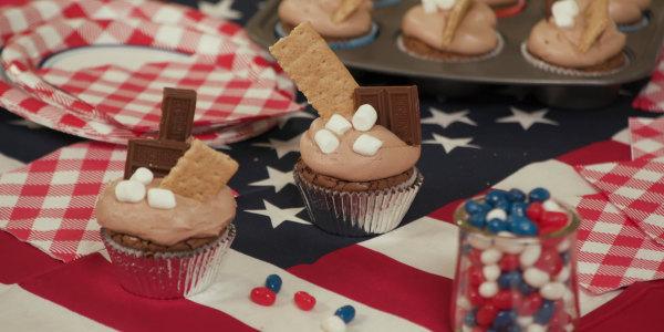 Sandra Lee's Brownie S'more Cupcakes