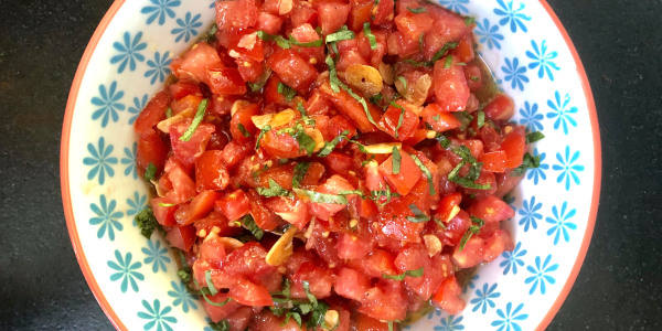 Valerie Bertinelli's Fresh Tomato Sauce