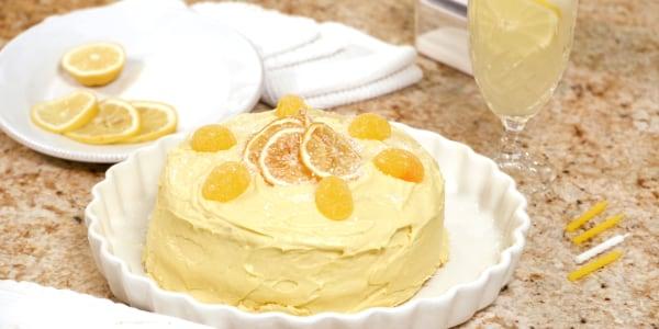 Sandra Lee's Easy Lemonade Cake