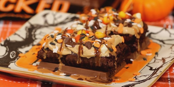 Sandra Lee's Halloween Magic Candy Brownies