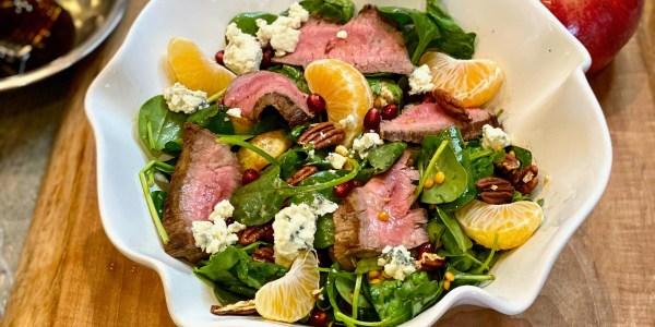 Salade Lucky Greens et steak avec vinaigrette balsamique à l'érable