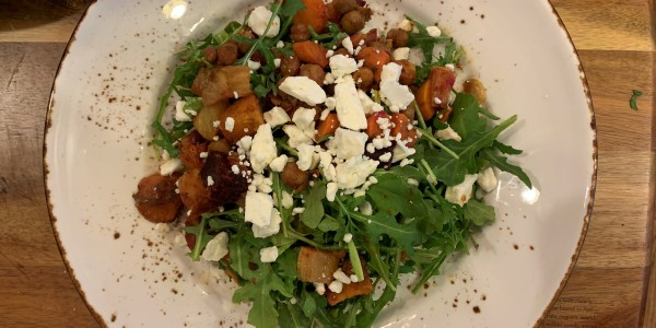 Chana Masala (Garbanzo Curry) Salad