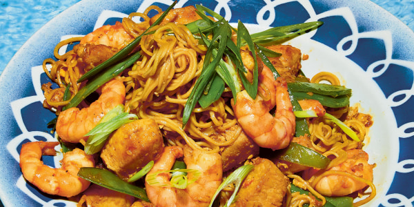 Prawn and Chicken Fried Noodles (Mie Goreng Udang)