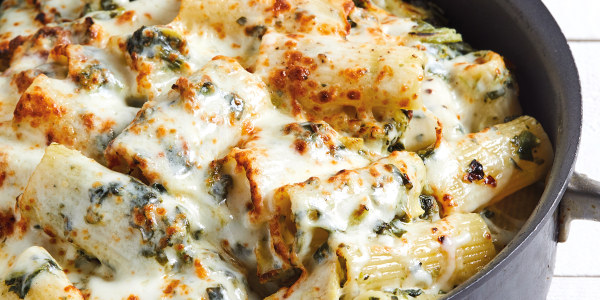 Katie Lee's Creamy Spinach and Artichoke Pasta